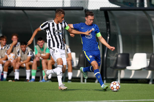 Harvey Vale of Chelsea and Ervin Omic of Juventus during a UEFA Youth League match between Juventus and Chelsea at JTC Continassa - Juventus Training...