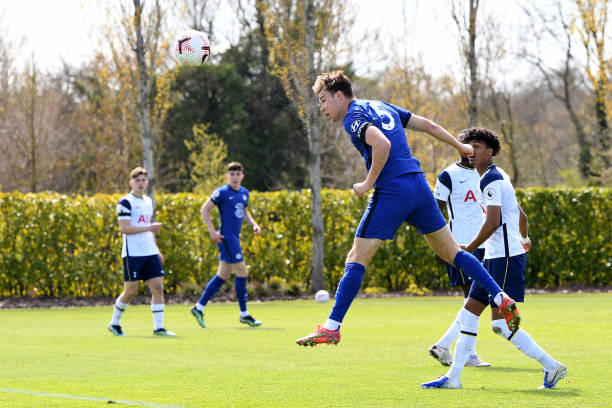 Harvey Vale of Chelsea scores during the Premier League 2 match between Tottenham Hotspur and Chelsea at Tottenham Hotspur Training Centre on April...