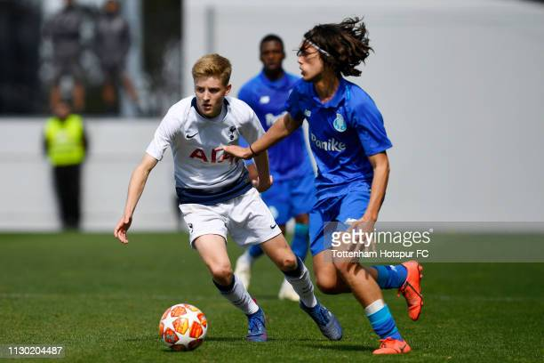 Harvey White of Tottenham Hotspur during the UEFA Youth League Round of 16 match between FC Porto and Tottenham Hotspur at Centro de Estagios do...