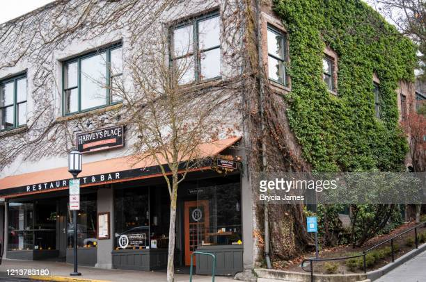 harvey's place in downtown ashland oregon - brycia james stock pictures, royalty-free photos & images