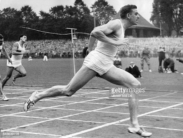 Hary, Armin *-Sportler, Leichtathletik, Sprint, DOlympiasieger 1960Weltrekord 100 Meter 1960- bei einem Zieleinlauf- 1960