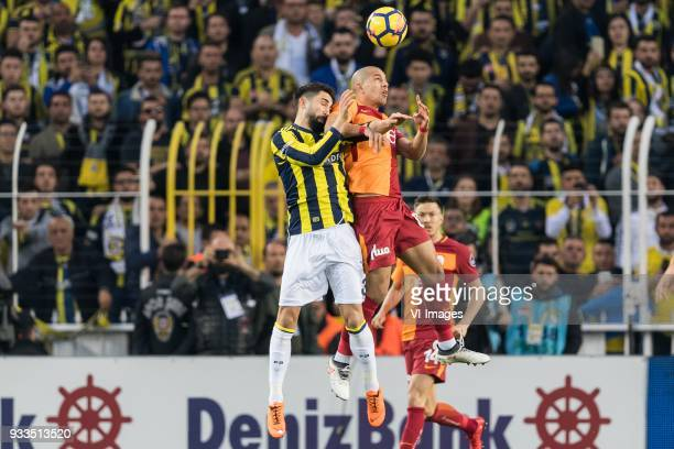 Hasan Ali Kaldirim of Fenerbahce SK Sofiane Feghouli of Galatasaray SK during the Turkish Spor Toto Super Lig match Fenerbahce AS and Galatasaray AS...