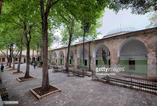 hasan paşa mosque inner courtyard,şanlıurfa. - emreturanphoto stock pictures, royalty-free photos & images
