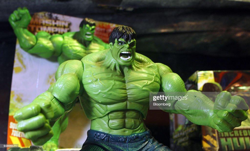 "A Hasbro Inc. ""Incredible Hulk"" toy action figure is display : News Photo"