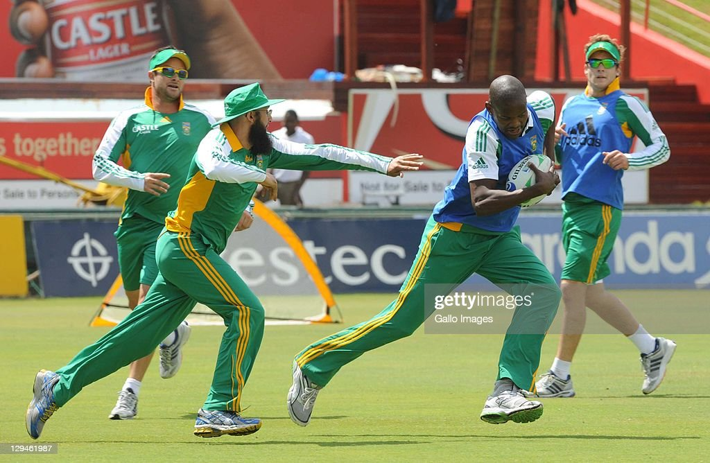 Hashim Amla and Lonwabo Tsotsobe during the South African Proteas nets session at SuperSport Park, Centurion on October 17, 2011 in Pretoria, South Africa.