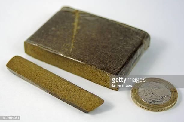 hashish (cannabis) - hashish stock pictures, royalty-free photos & images