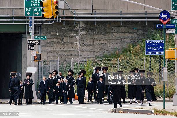 hasidic community in williamsburg, brooklyn, nyc - orthodoxy stock pictures, royalty-free photos & images