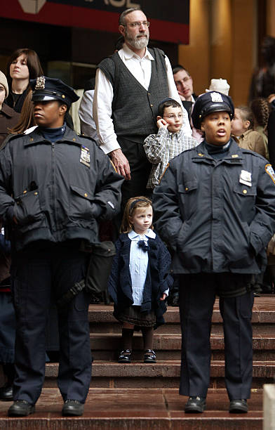 Hasidic jews protected by new york city police photos and - Garden city police department ny ...
