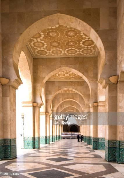 hassan ii mosque - mosque hassan ii photos et images de collection