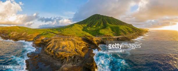 usa, haswaii, oahu, hanauma bay nature preserve, hanauma bay - volcanic landscape stock pictures, royalty-free photos & images