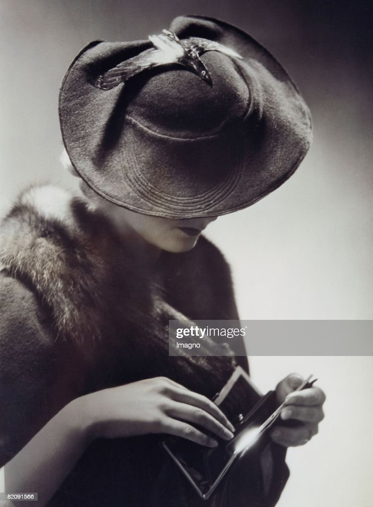 Hat fashion, Germany, Around 1930, Photography by Yva : News Photo