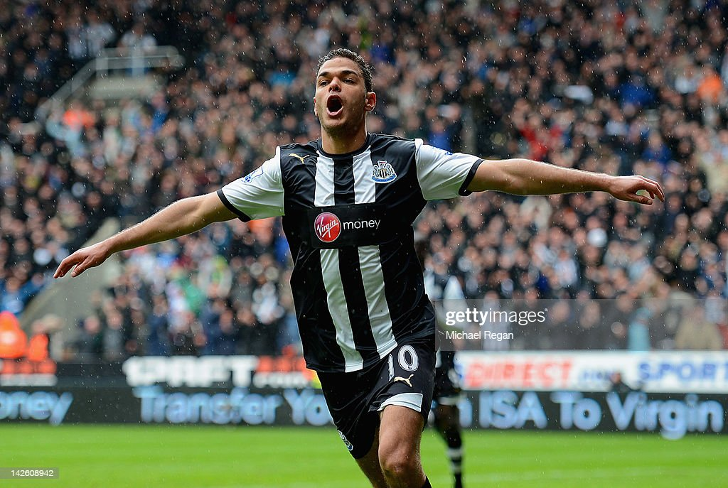 Newcastle United v Bolton Wanderers - Premier League : News Photo