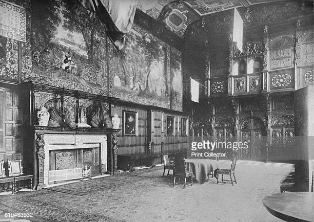 Hatfield House Herts The Marquis of Salisbury' 1910 Hatfield House is a country house set in a large park the Great Park on the eastern side of the...