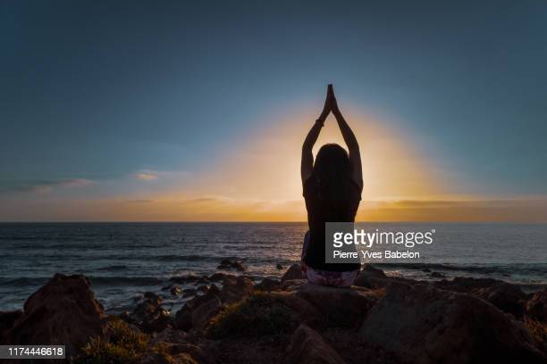 hatha yoga - good posture stock pictures, royalty-free photos & images
