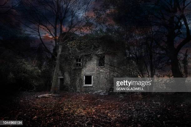 haunted house - spooky stock pictures, royalty-free photos & images