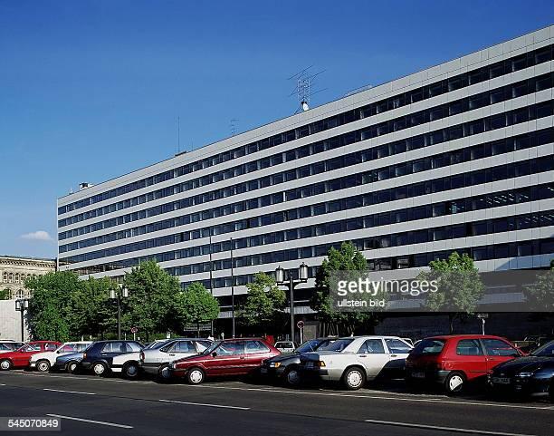 Hauptgebäude an der Strasse des 17Juni 1996GESPERRT FÜR BUCHPROJEKTE MITAUSSCHLIESSLICHER BERLINTHEMATIK