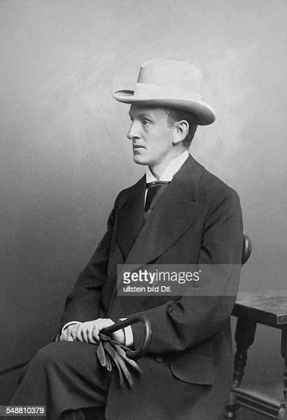 Hauptmann Gerhart Writer Poet Germany *15111862 Portrait with a hat 1899 Photographer Wilhelm Fechner Vintage property of ullstein bild