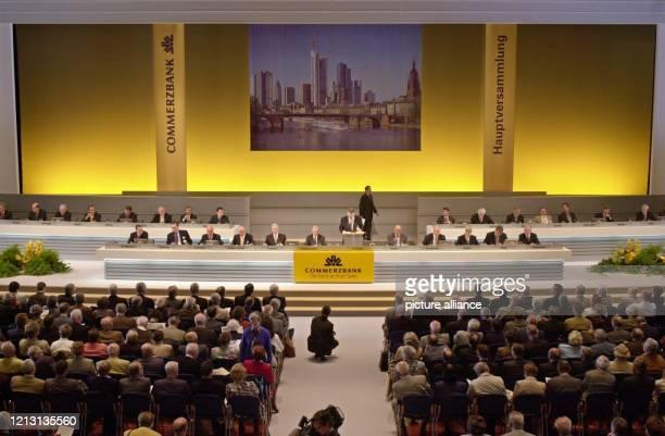 Hauptversammlung der Commerzbank am 2652000 in Frankfurt/Main Die Commerzbank sieht ihre Unabhängigkeit weiterhin ungefährdet Gerüchte über einen...