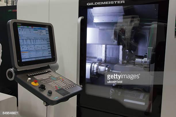 Hausmesse zeigt Werkzeugmaschinen der Gildemeister AG am Hauptsitz des Unternehmens in Bielefeld