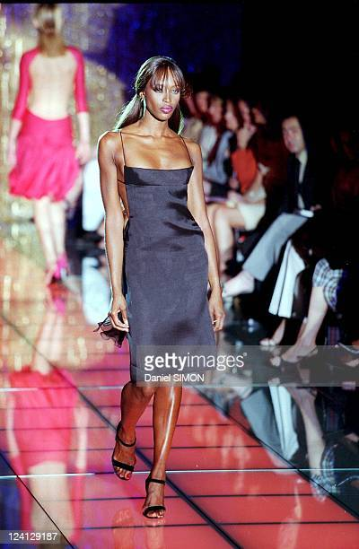 Haute Couture fall winter 1999 2000 Fashion show In Paris France On July 15 1999 Versace Naomi Campbell