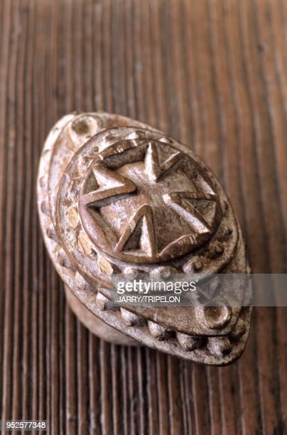 HauteSavoie antiquités marque a pain tampon pour marquer le pain//France HauteSavoie antiquities stamp to mark the bread