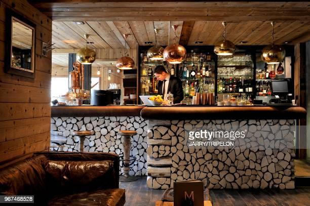 Haute-Savoie Pays du Mont-Blanc, Mege?ve, hotel 5 e?toiles Le M de Mege?ve, bar//France, Haute-Savoie Country of Mont-Blanc, Mege?ve, hotel 5 stars...