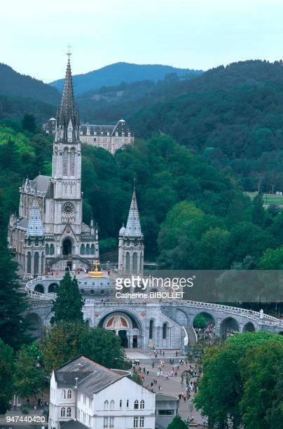 La Bigorre La ville de Lourdes avec sa basilique et ses sanctuaires est un haut lieu du culte marial depuis la vision de Bernadette Soubirous...