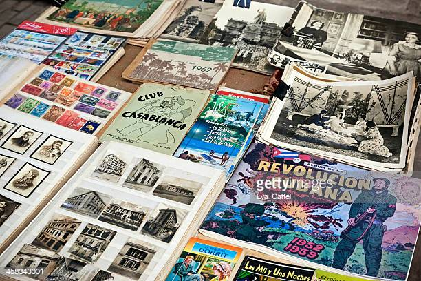 havana, reservar en el mercado plaza de armas - fidel castro fotografías e imágenes de stock