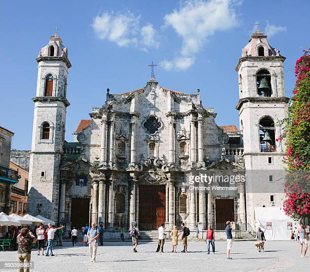 havana cathedral, cuba - christine wehrmeier stock pictures, royalty-free photos & images