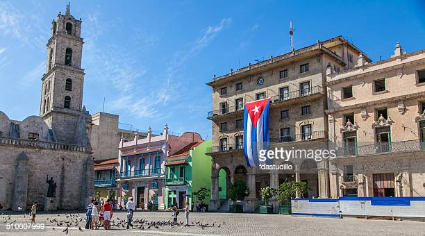 havana, cuba - old havana - cuban flag stock pictures, royalty-free photos & images