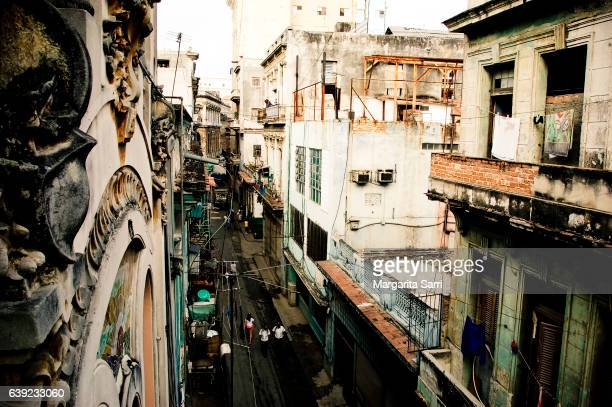 havana street view as seen from above - sarri stock pictures, royalty-free photos & images