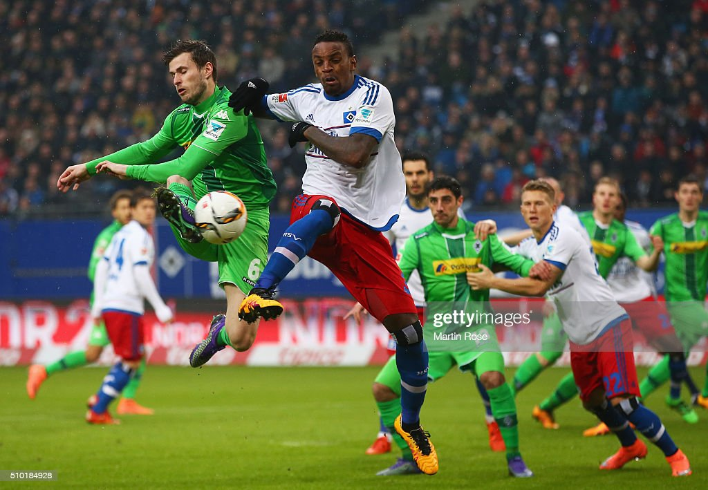 Havard Nordtveit of Borussia Moenchengladbach and Cleber of SV Hamburg battle for the ball during the Bundesliga match between Hamburger SV and Borussia Moenchengladbach at Volksparkstadion on February 14, 2016 in Hamburg, Germany.