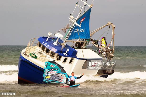 Havarierter Fischkutter behindert Windsurf World Cup Ein etwas ungewöhnlicher Anblick bot sich den Teilnehmern des heute beginnenden KIA Cold Hawaii...