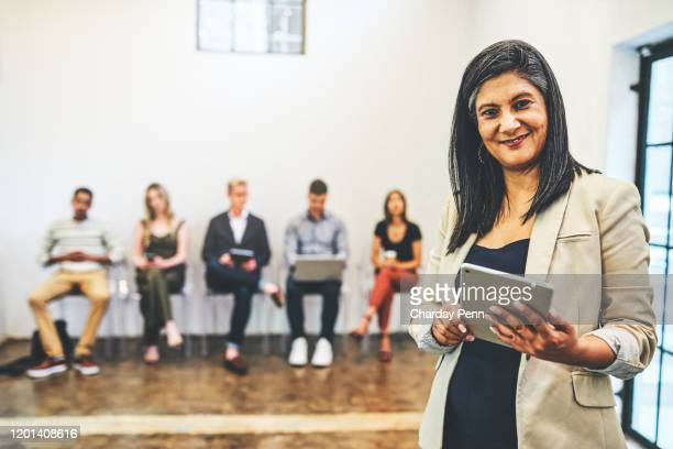 i have an app that helps me manage all candidates - recruiter stock pictures, royalty-free photos & images