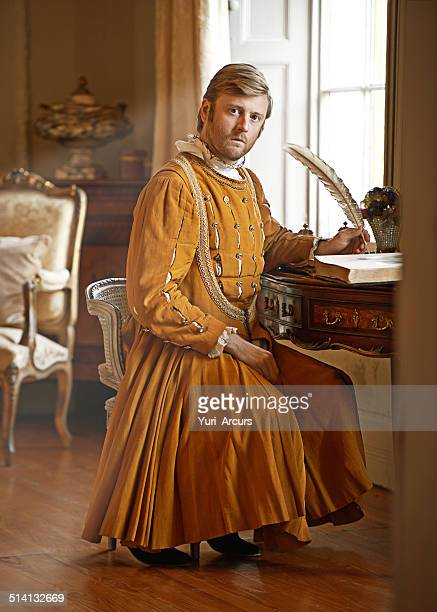i have urgent correspondence for the the king! - period costume stock pictures, royalty-free photos & images