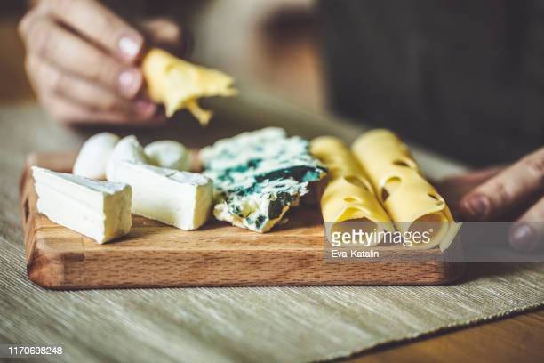 ontbijten - kaas stockfoto's en -beelden