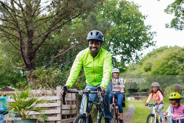 having fun on bikes - cycling stock pictures, royalty-free photos & images