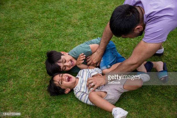 having fun with daddy - human relationship stock pictures, royalty-free photos & images