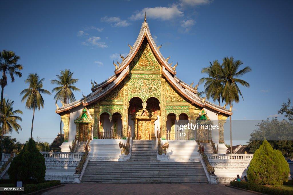 Haw Pha Bang at sunset, Luang Prabang, Laos : Stock-Foto