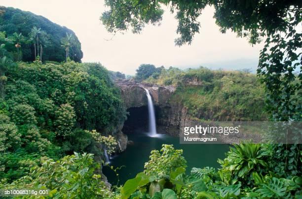 usa, hawaii, big island, hilo, rainbow falls - big island hawaii islands stock pictures, royalty-free photos & images