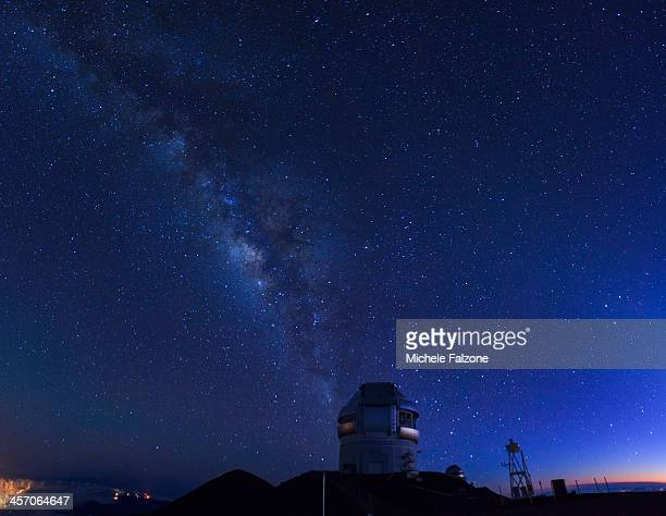 hawaii, mauna kea observatory - observatory stock pictures, royalty-free photos & images