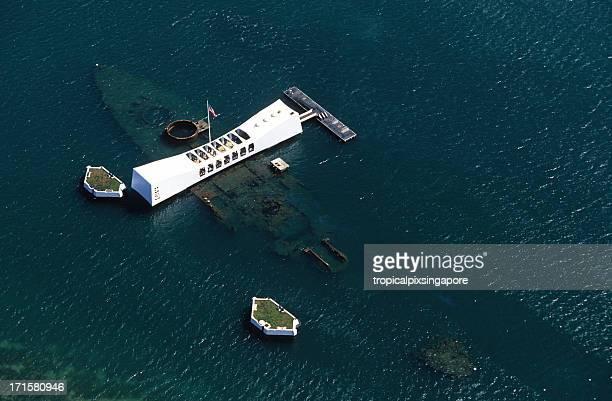 usa hawaii o'ahu, pearl harbor, arizona memorial. - media_in_honolulu,_hawaii stock pictures, royalty-free photos & images