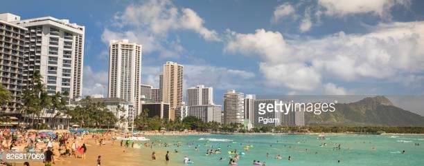 usa, hawaii, oahu, waikiki beach panorama - waikiki stock pictures, royalty-free photos & images