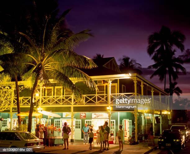 usa, hawaiian islands, maui, lahaina, pioneer inn - lahaina stock pictures, royalty-free photos & images