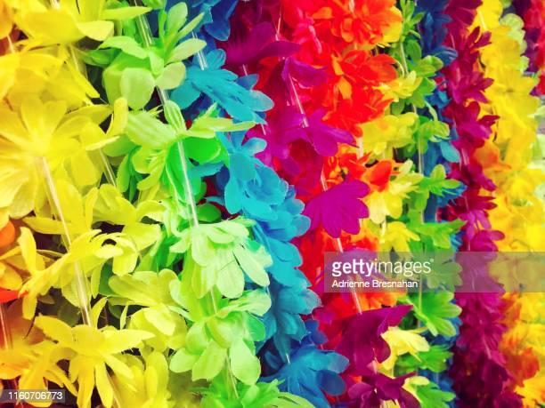 hawaiian lei souvenirs - hawaiian lei stock pictures, royalty-free photos & images