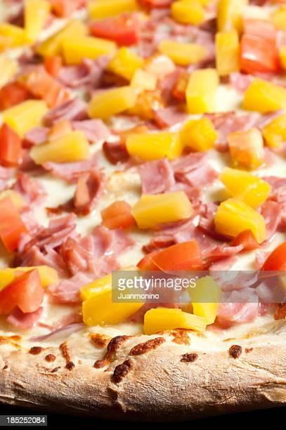 hawaiian pizza close up - hawaiian pizza stock pictures, royalty-free photos & images