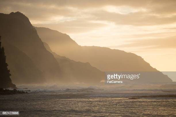 hawaiian seascape - na pali stock photos and pictures
