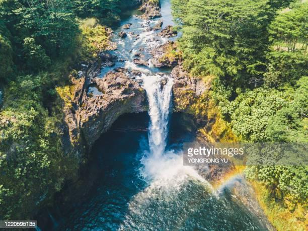 hawaiian waterfalls and rainbows - hawaiian waterfalls stock pictures, royalty-free photos & images