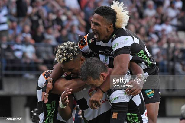 Hawke's Bay players celebrate during the Mitre 10 Cup round 12 Finals match between Hawke's Bay and Northland at McLean Park on November 27, 2020 in...