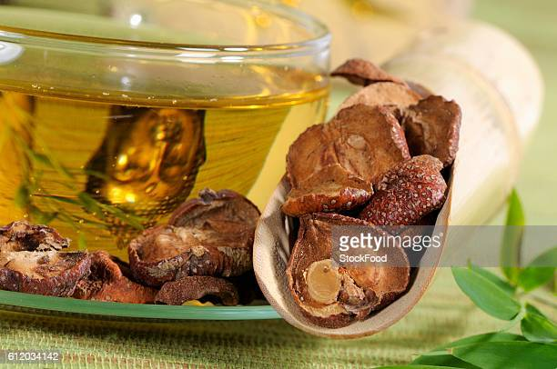Hawthorn tea and dried haws (close-up)